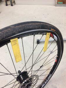 Fahrradfelge und Mantel trennen