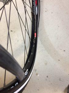 Fahrradfelge und Schlauch - Fahrradschlauch wechseln